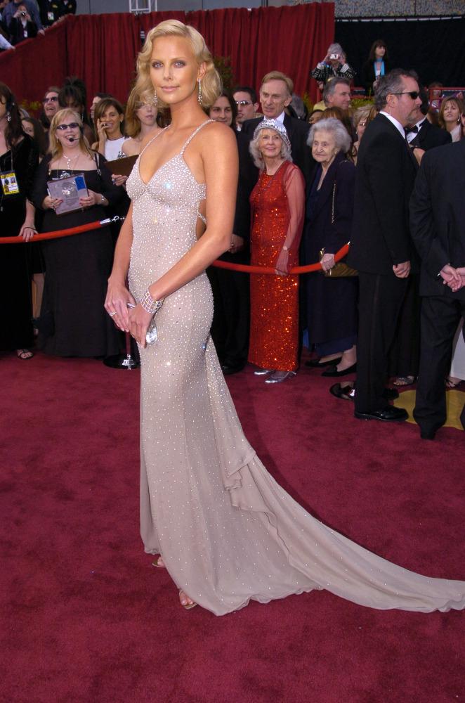 Oscar 2008 marion cotillard with a pervert - 1 part 3