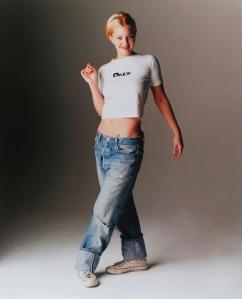 dre barrymore 1990s grunge:baggy boyfriend